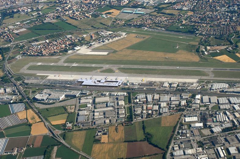 Airport Orio Al Serio : Aeropuerto de bérgamo orio al serio il