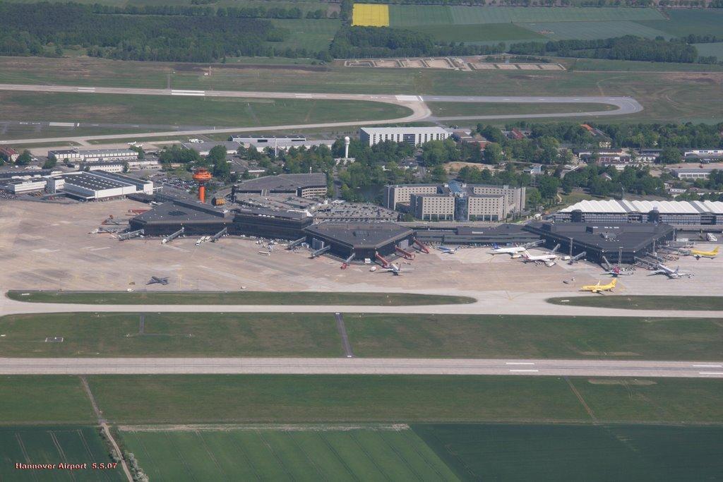 aeropuerto de han ver aeropuerto de langenhagen megaconstrucciones extreme engineering. Black Bedroom Furniture Sets. Home Design Ideas