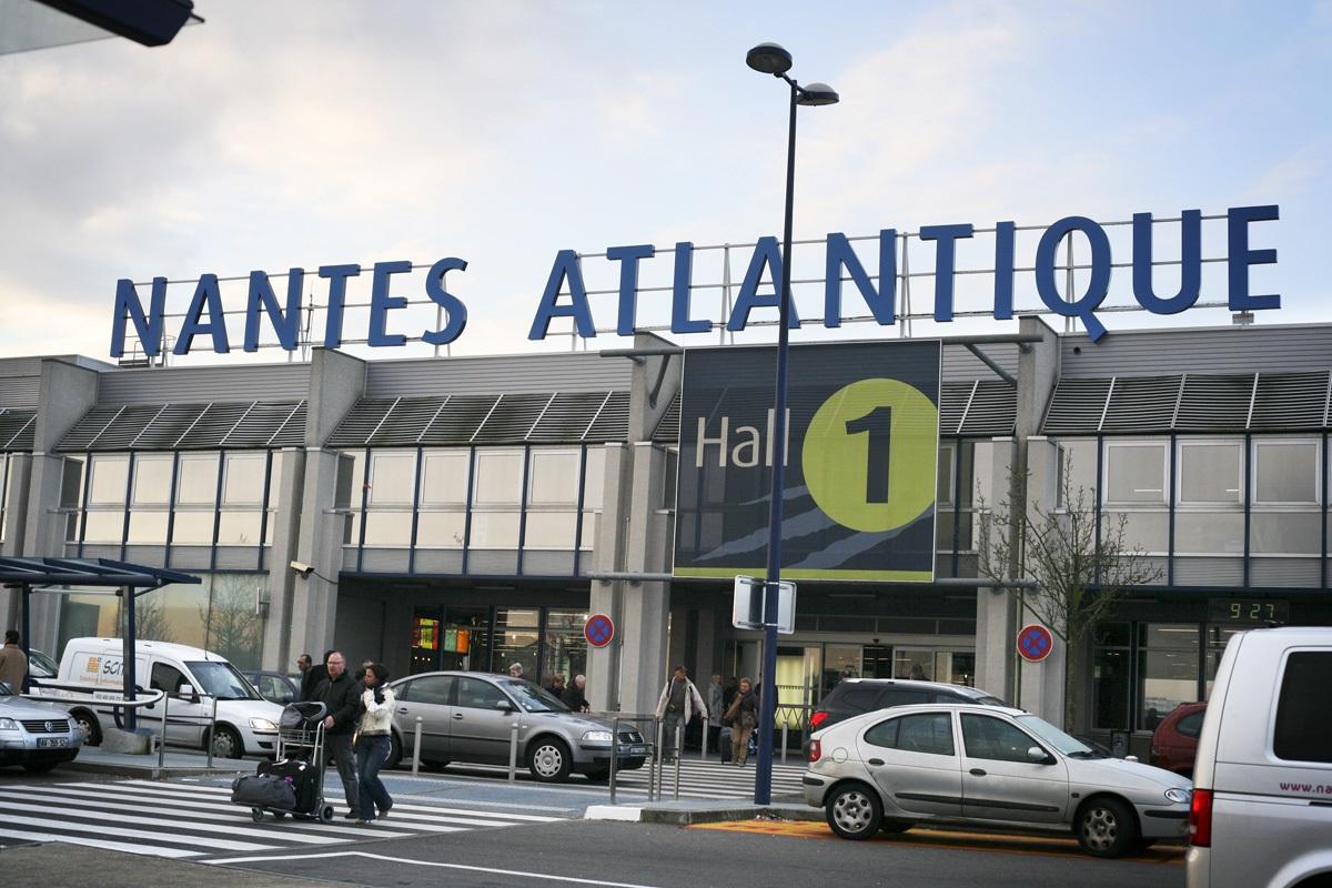 aeropuerto de nantes atlantique megaconstrucciones. Black Bedroom Furniture Sets. Home Design Ideas