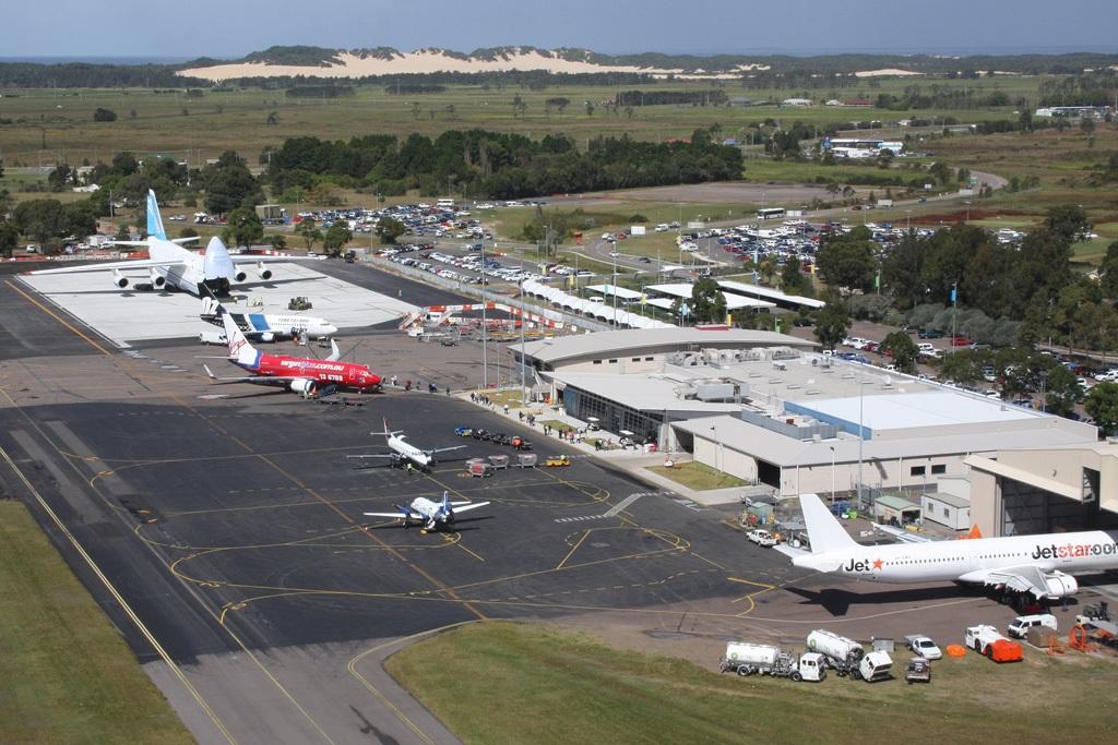newcastle airport - photo #1