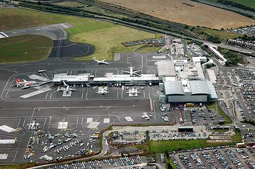 newcastle airport - photo #3