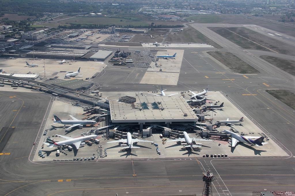 Aeropuerto De Roma Fiumicino Aeropuerto Intercontinental
