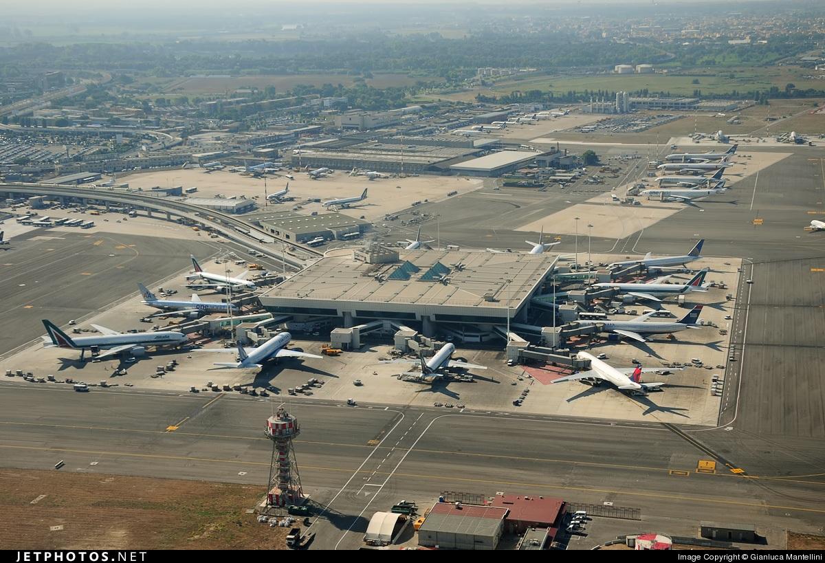 Aeropuerto de roma fiumicino aeropuerto intercontinental for Cajeros en el aeropuerto