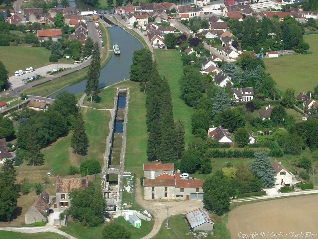 Canal de briare 2 canal de la ruta del borbonado for Carreaux de briare