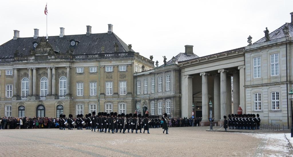 Pasaje entre los palacios Schack y Moltke. Palacio de Amalienborg 20
