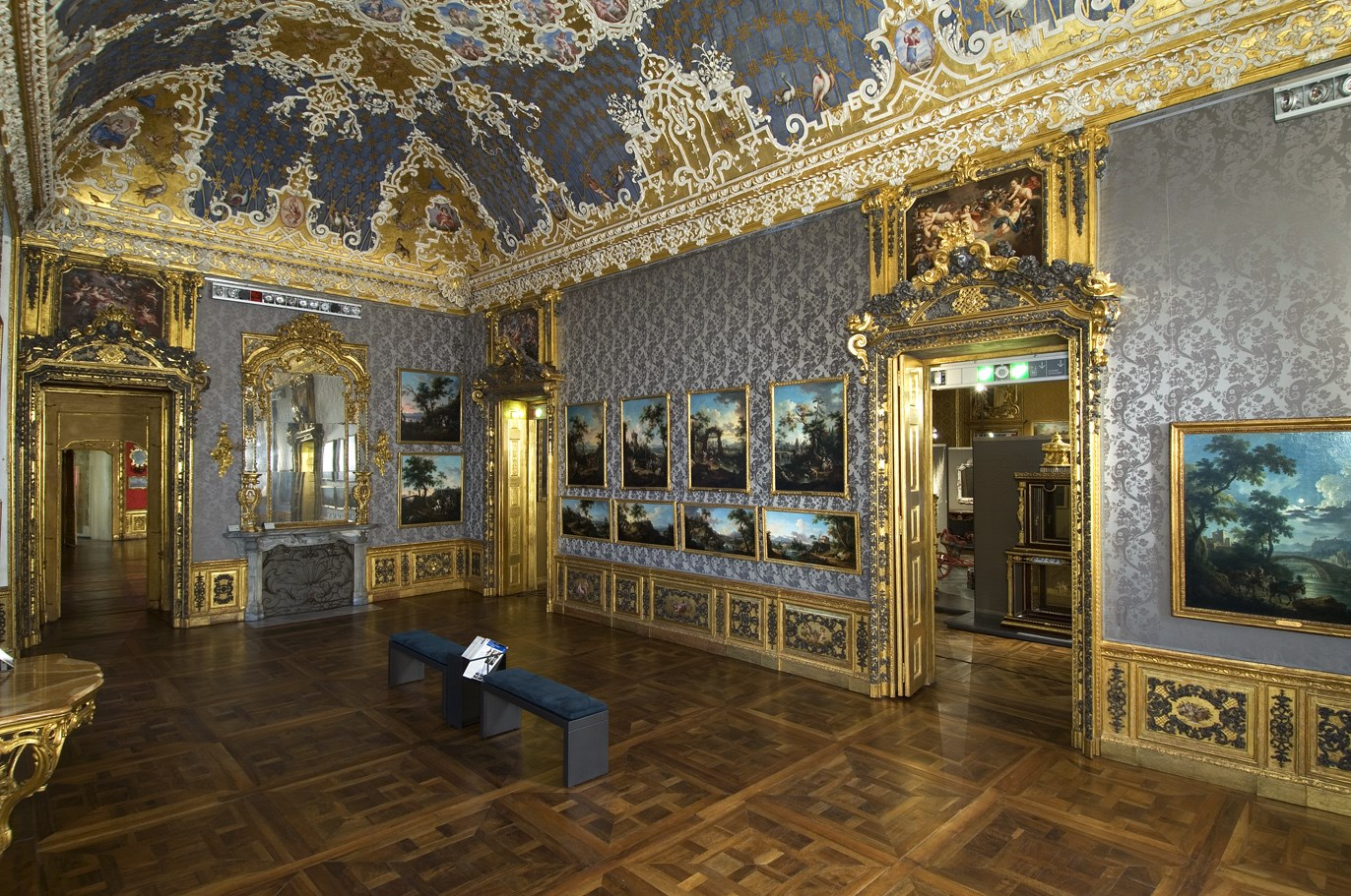 Palacio madama de tur n palazzo madama e casaforte degli for Corso di arredatore d interni roma