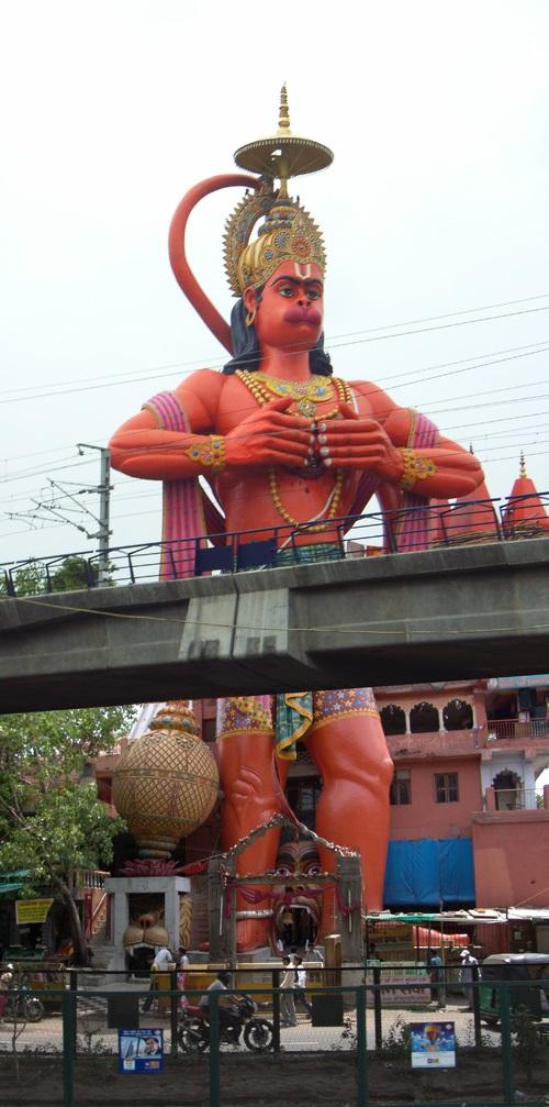 Estatua de Hanuman en Nueva Delhi 1