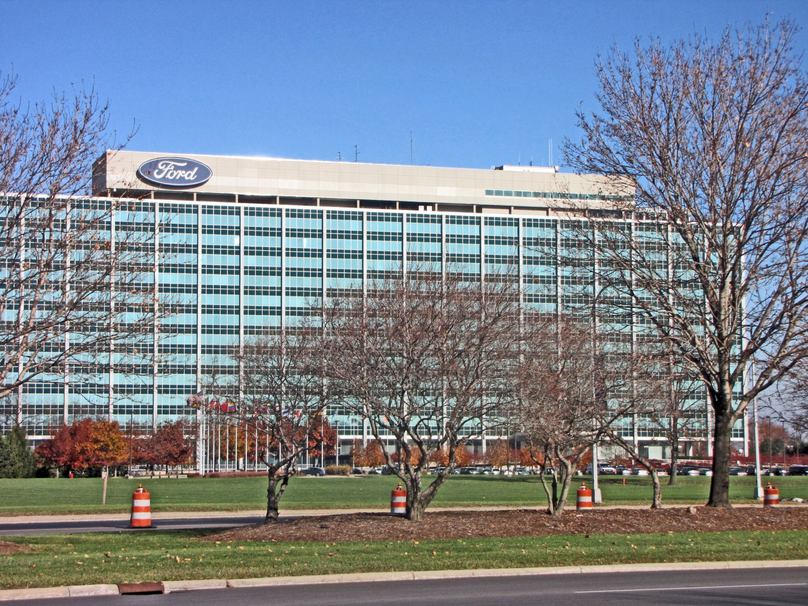Sede de ford en dearborn megaconstrucciones extreme for Ford motors corporate office