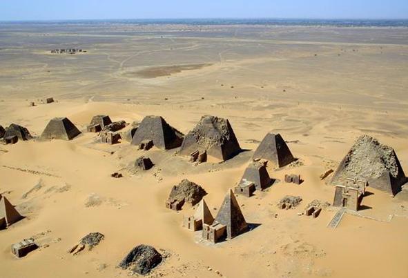 Pirámides de Meroe 10