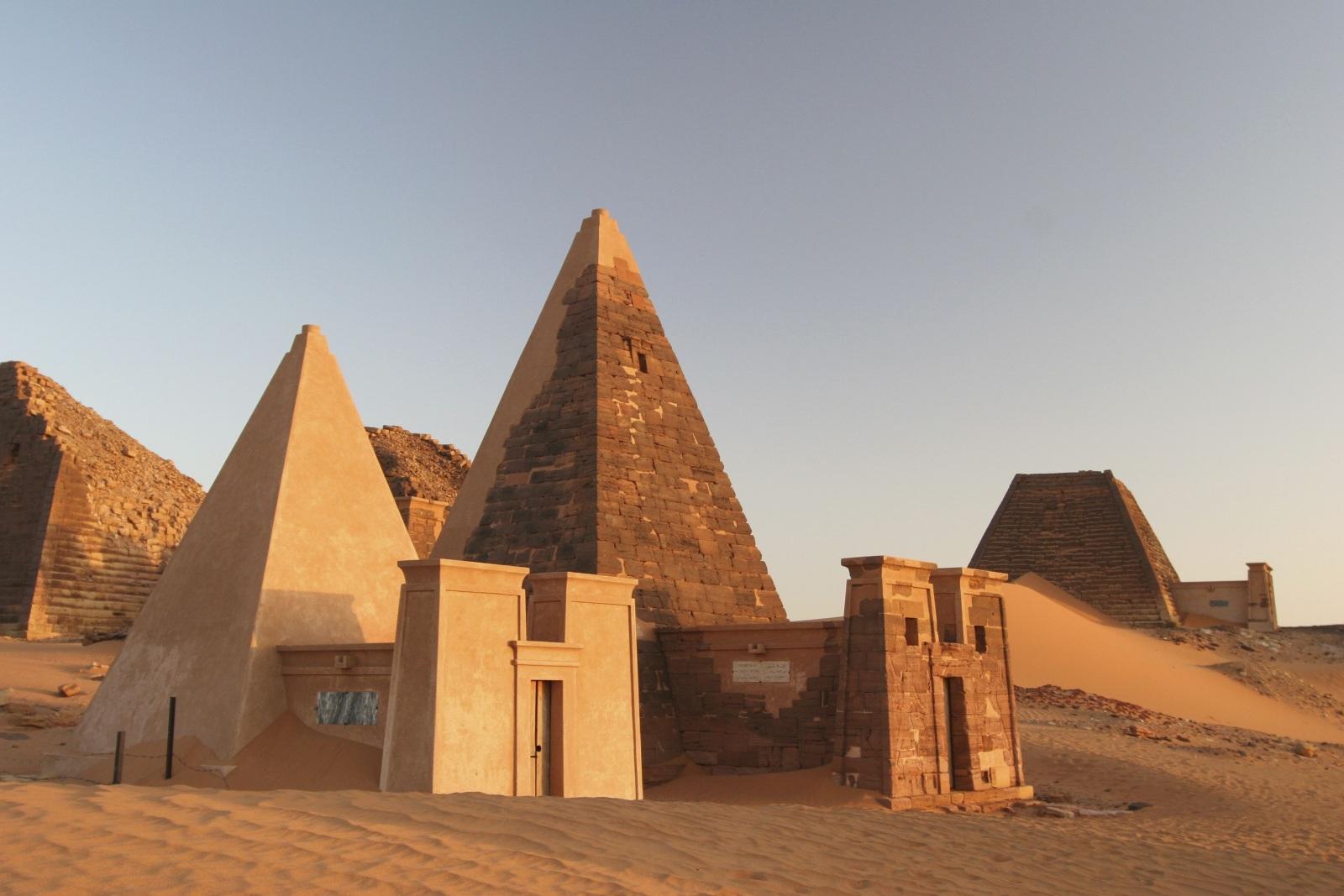Pirámides de Meroe 11