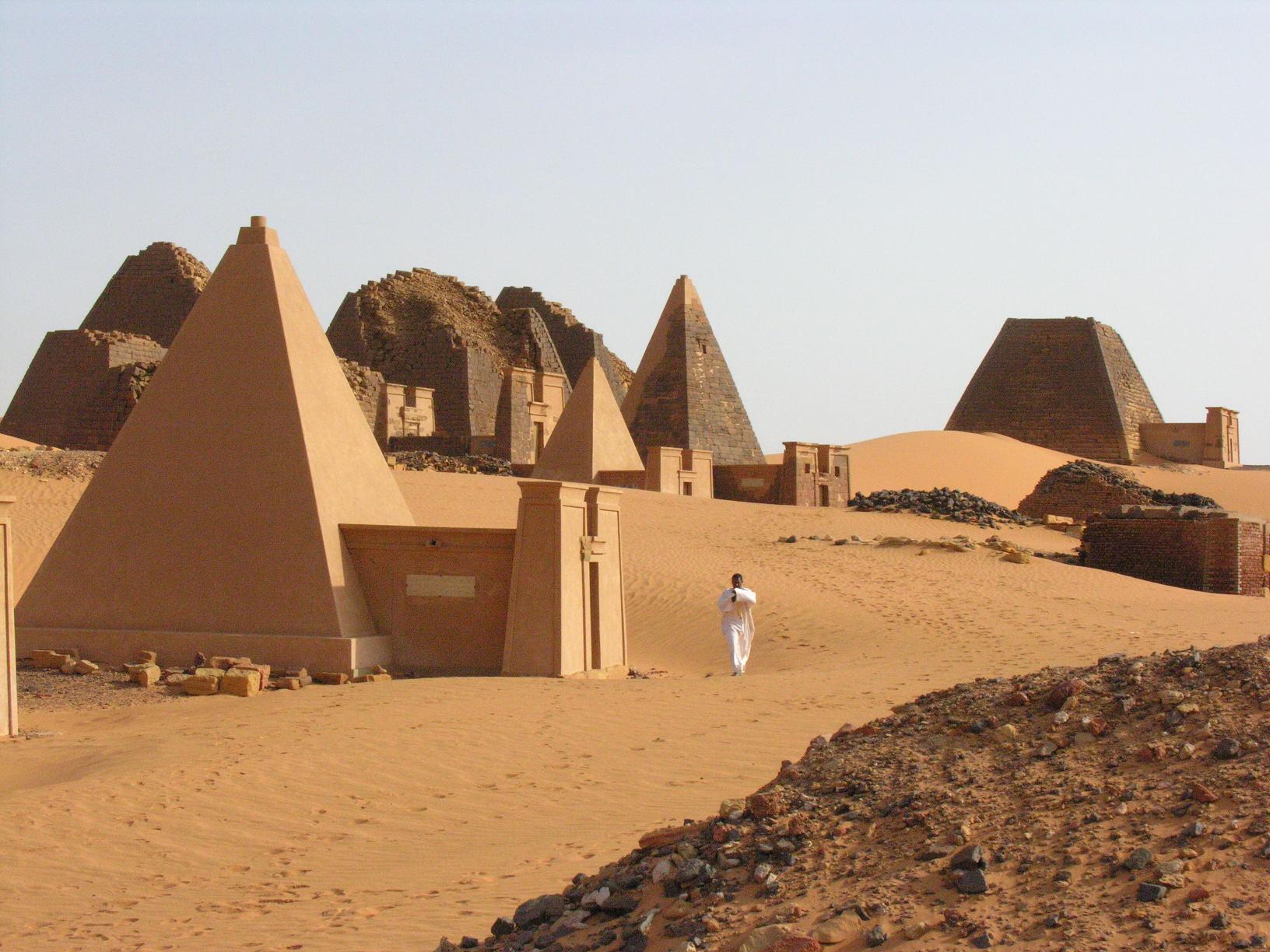 Pirámides de Meroe 3