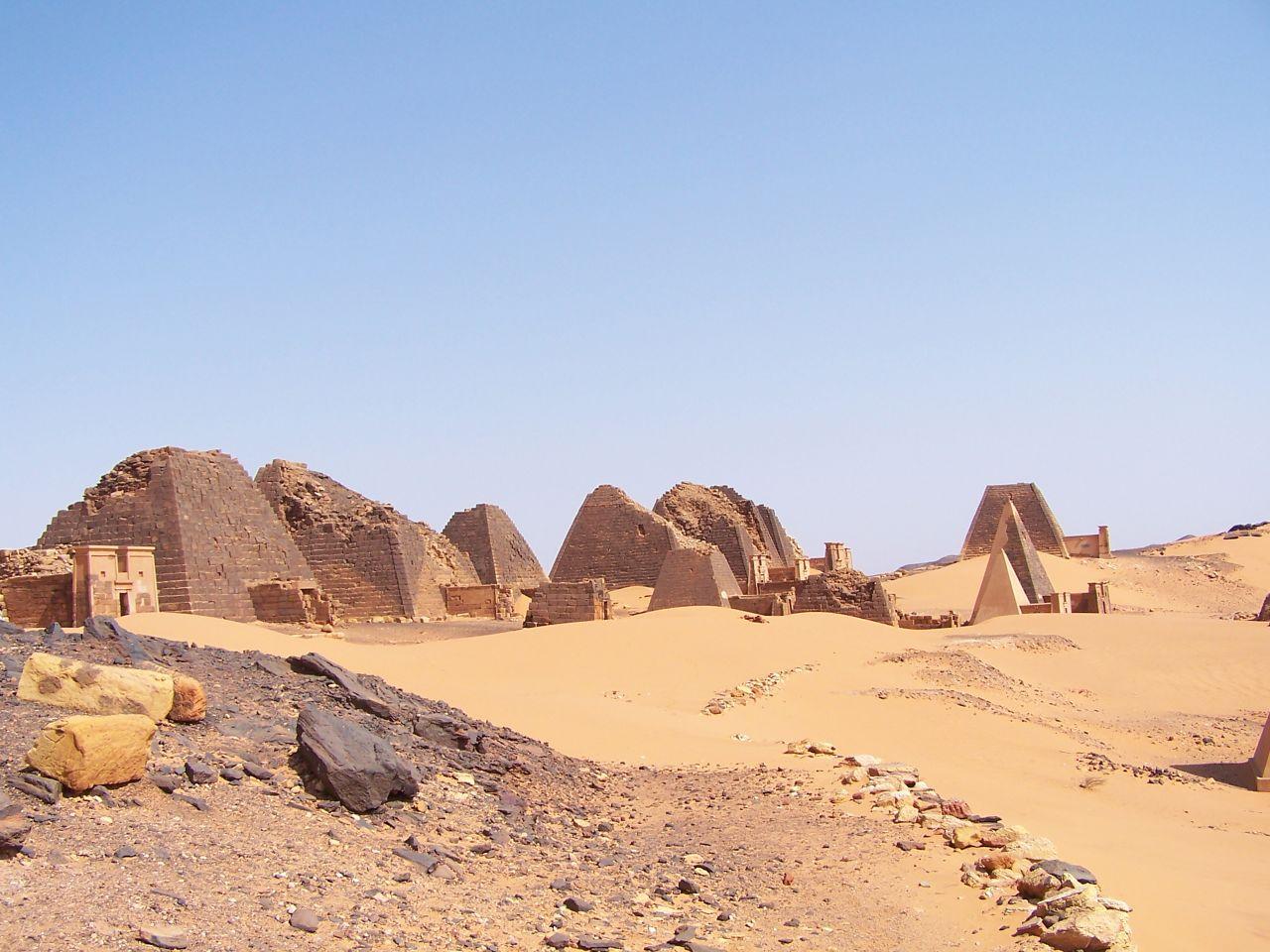 Pirámides de Meroe 6
