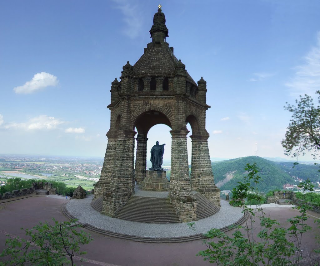 Monumento al k iser guillermo i en porta westfalica - Porta westfalica mobel ...