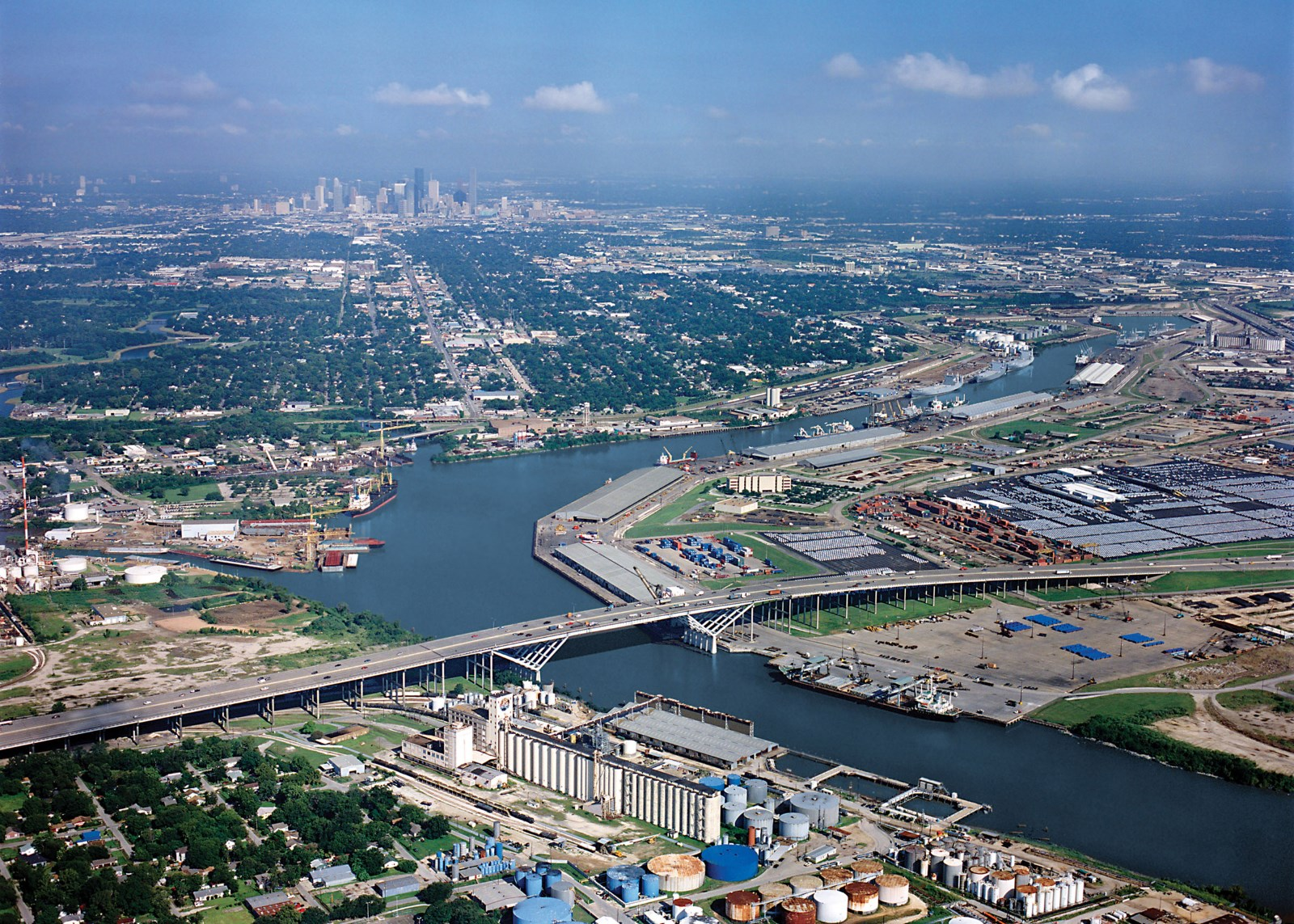 Puerto de houston megaconstrucciones extreme engineering for Port a texas