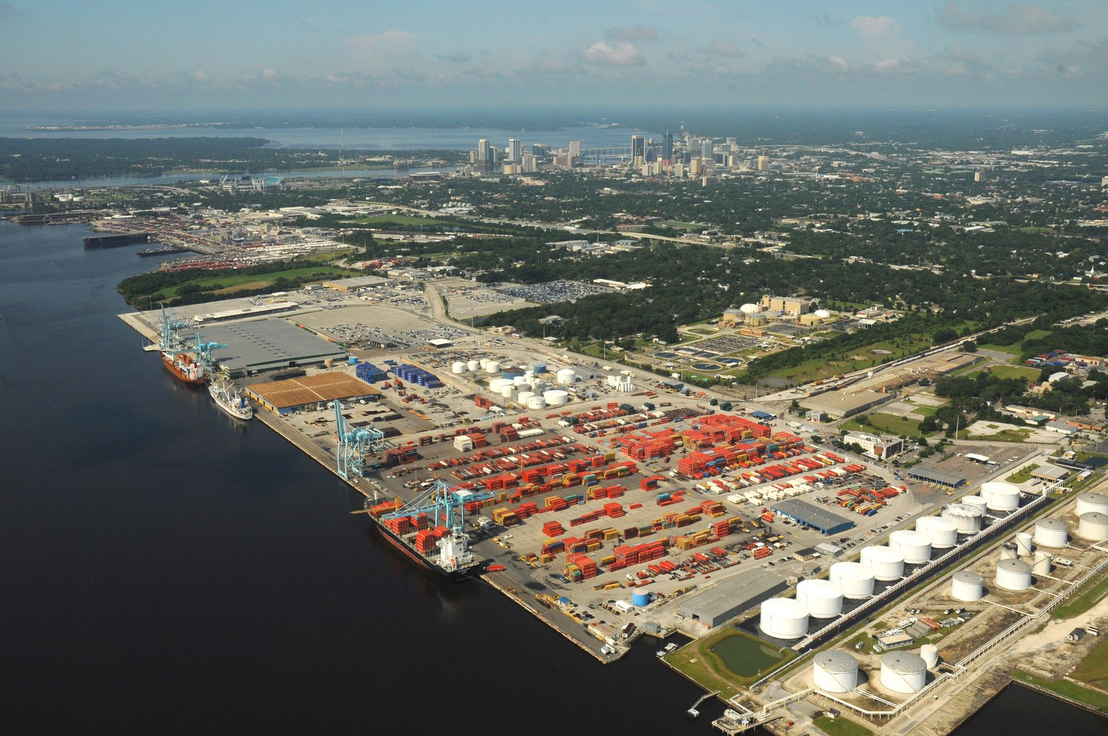jacksonville port authority The jacksonville port authority (jpa) also known by its brand name, jaxport,  is the independent government agency in jacksonville, florida, that owns and.