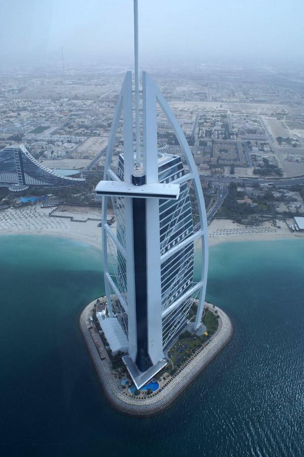 Burj al arab megaconstrucciones extreme engineering for Como se llama el hotel que esta debajo del mar