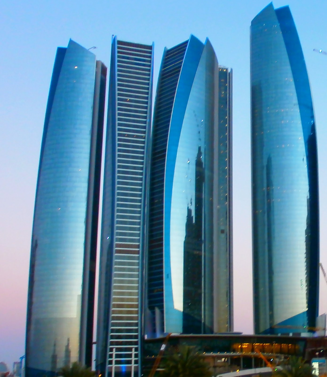how tall is etihad towers