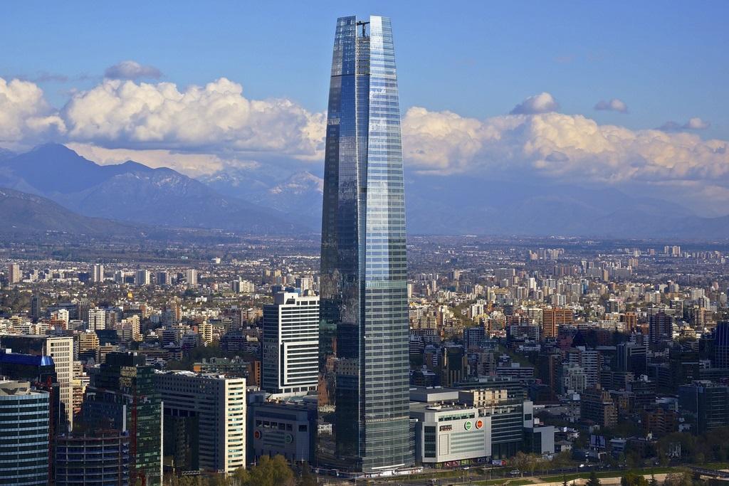 Gran torre santiago torre gran costanera for Construccion de piscinas santiago chile