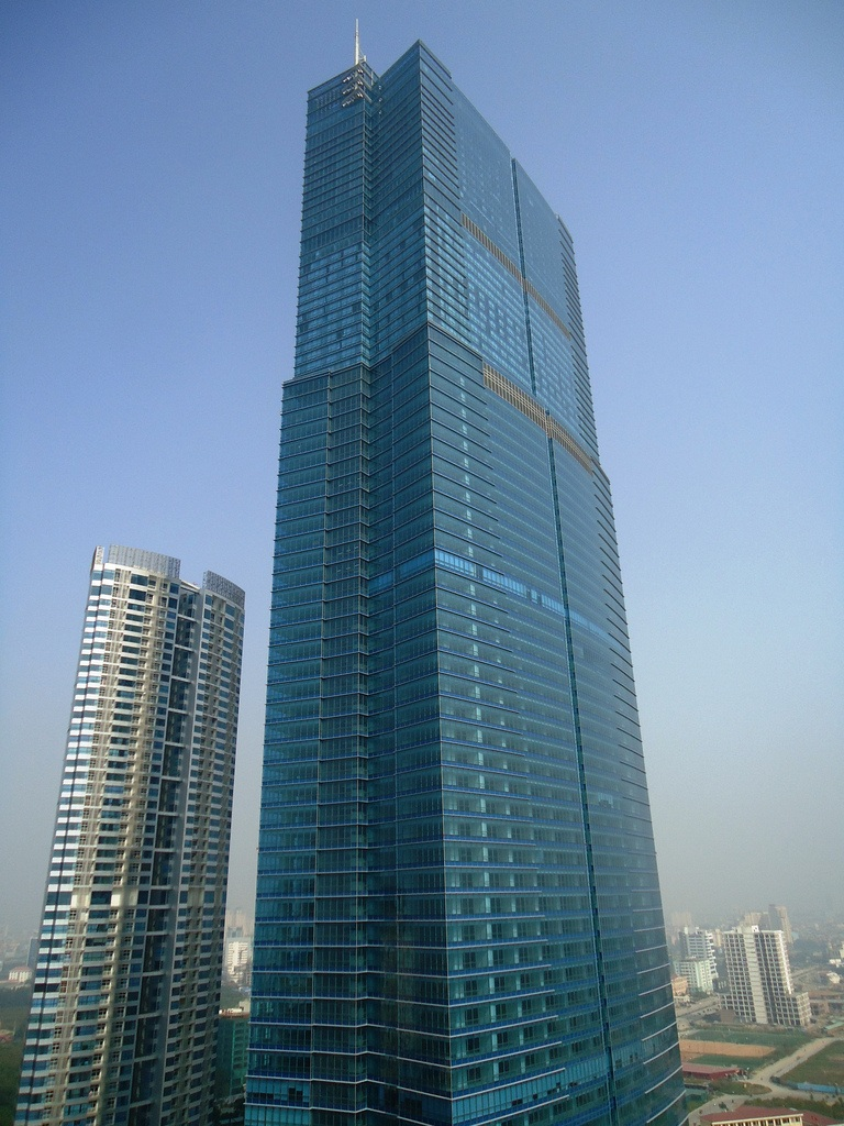http://megaconstrucciones.net/images/rascacielos/foto/keangnam-hanoi-landmark-tower.jpg