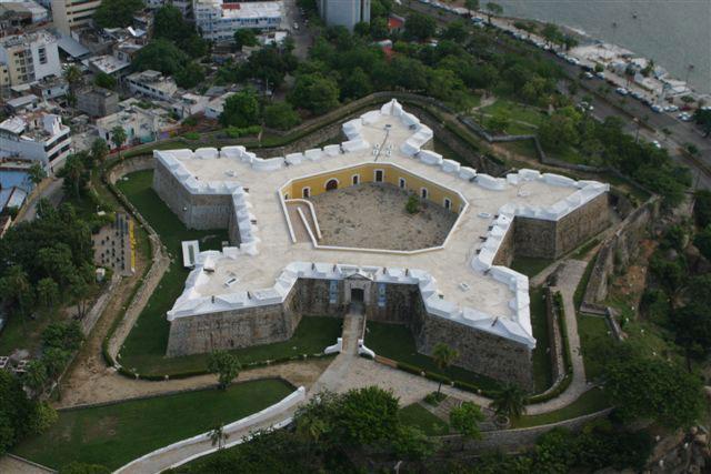 Acapulco m vil for Arquitectura militar